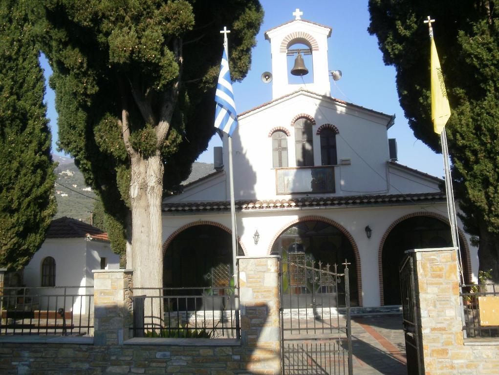 Ιερός Ναός Τιμίου Σταυρού Κάτω Γατζέας