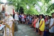 Θεία λειτουργία κάτω από το φως του φεγγαριού στην κατασκήνωση του Αγίου Λαυρεντιου